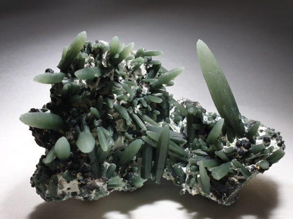prasios prase magnititis serifos greece lavriostone mineral