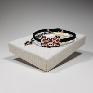 handmade macrame bracelet with hematite lavriostone